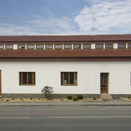 Rekonstrukce starého hliněného domu